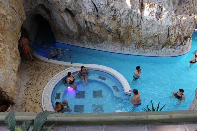 Термальні купальні Мішкольц-Тапольца – краще один раз побувати, ніж сто разів побачити